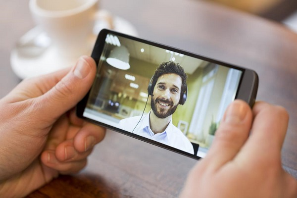 seamless voice control - Future Smartphones